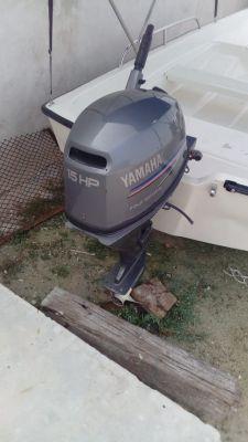 Lancha Boston Whaler 11 de 1998 con motor Yamaha 15hp del 2010 en Yucatán